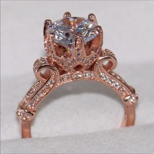 New 18 k rose gold engagement ring